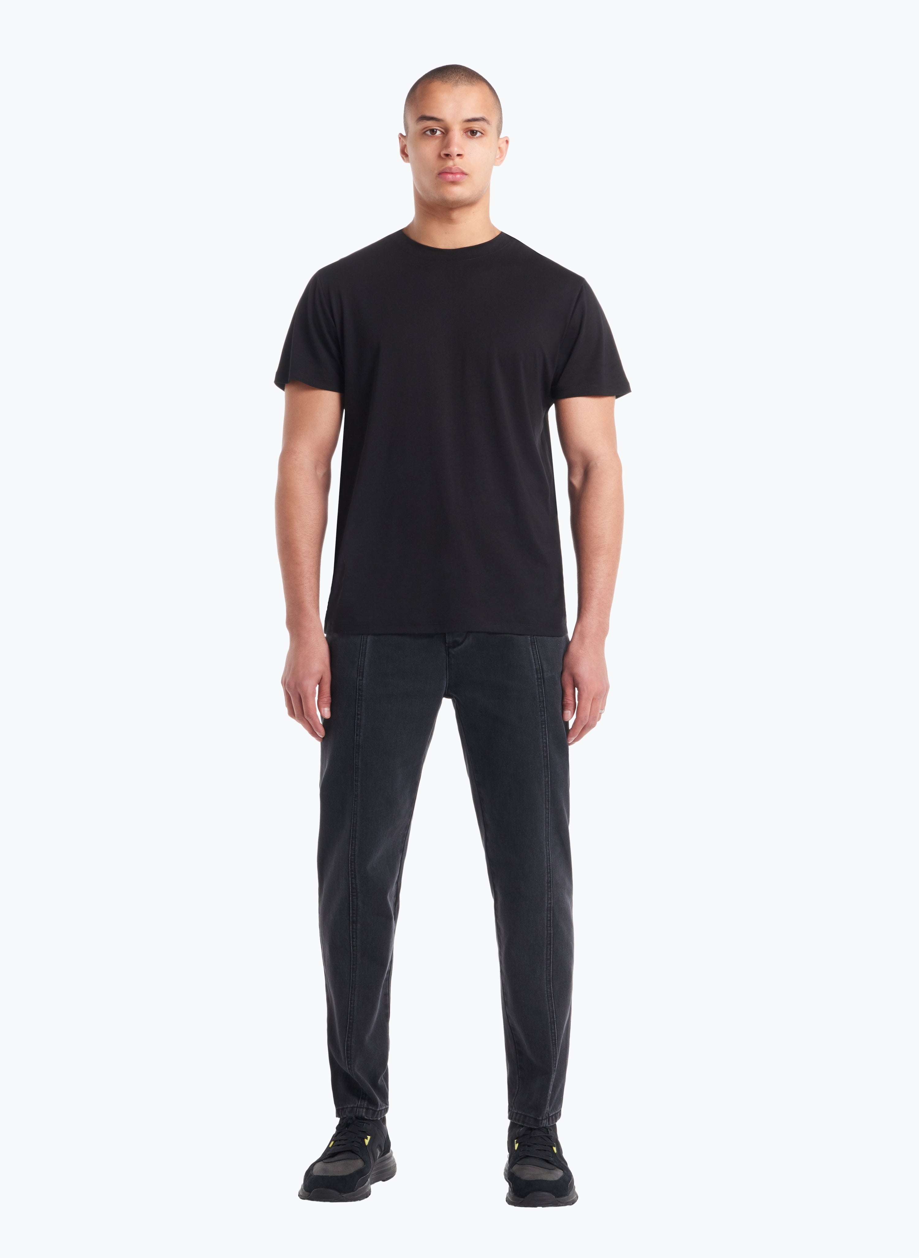Short Sleeve Crew Neck T-Shirt in Black Blue Tencel
