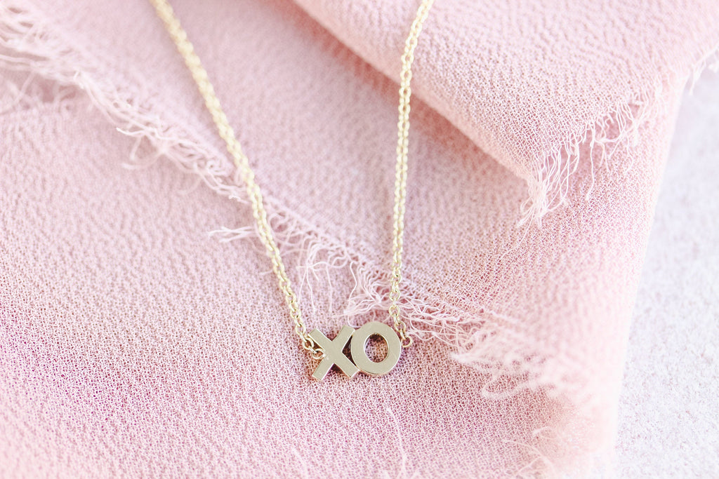 XO Necklace Solid Gold