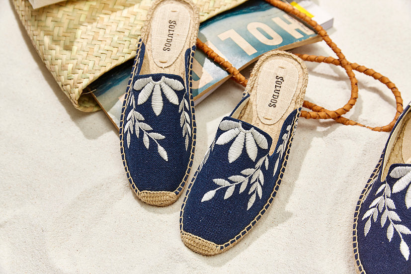 Soludos - Embroidered Floral Mule Midnight/Ivory