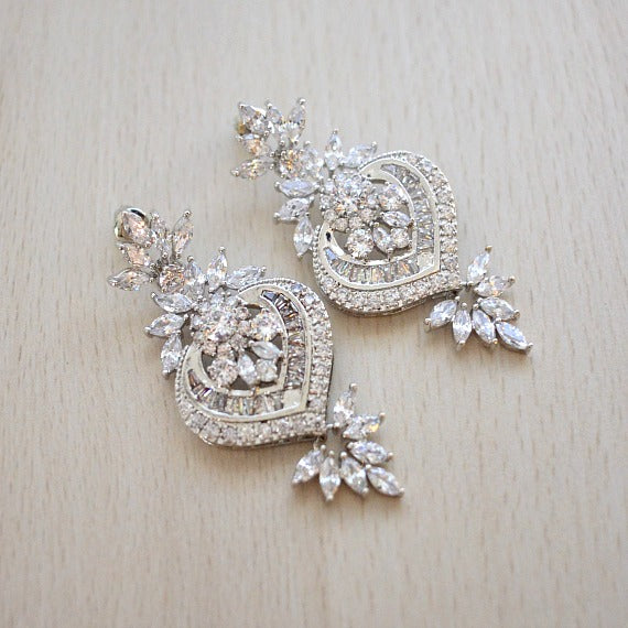 Cubic Zirconia Bridal Earrings. Art Deco Crystal Wedding Earrings. Vintage Style Statement Chandelier Earrings. Bridesmaid Earrings.