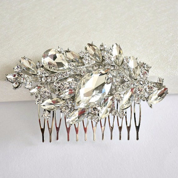 Rhinestone Crystal Bridal Hair Comb. Vintage Inspired Wedding Hair Comb. Hair Accessory. Bridal Hair Piece. Headpiece. Wedding Hair Jewelry.