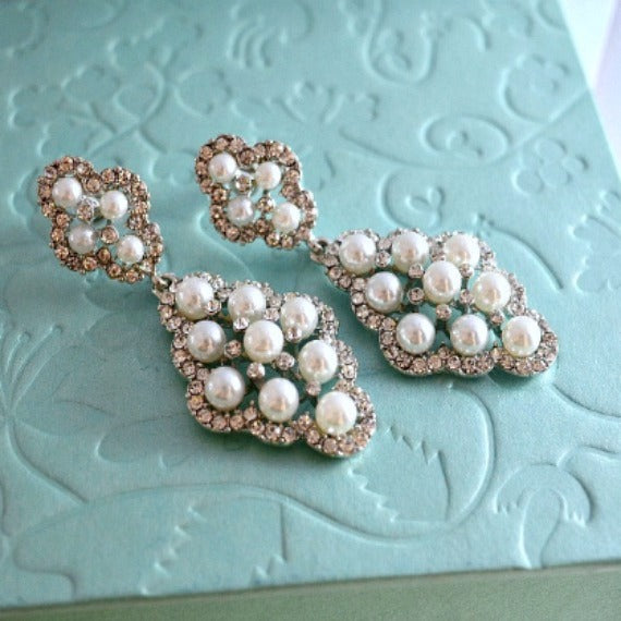 Pearl Drop Vintage Silver Wedding Earrings. Rhinestone Pearl Chandelier Earrings. Diamond Shaped Pearl Dangle Earrings. Bridesmaid Earrings.