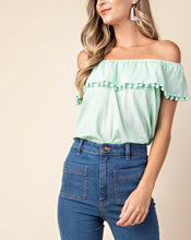 Pom Accent Top