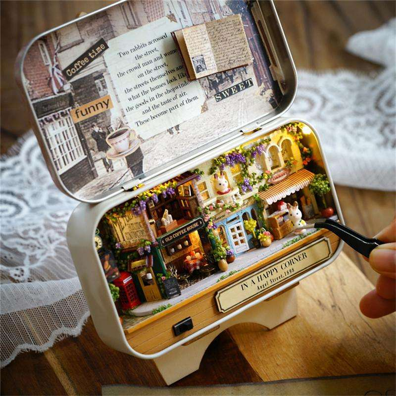 Box Theater Miniature DIY Doll House