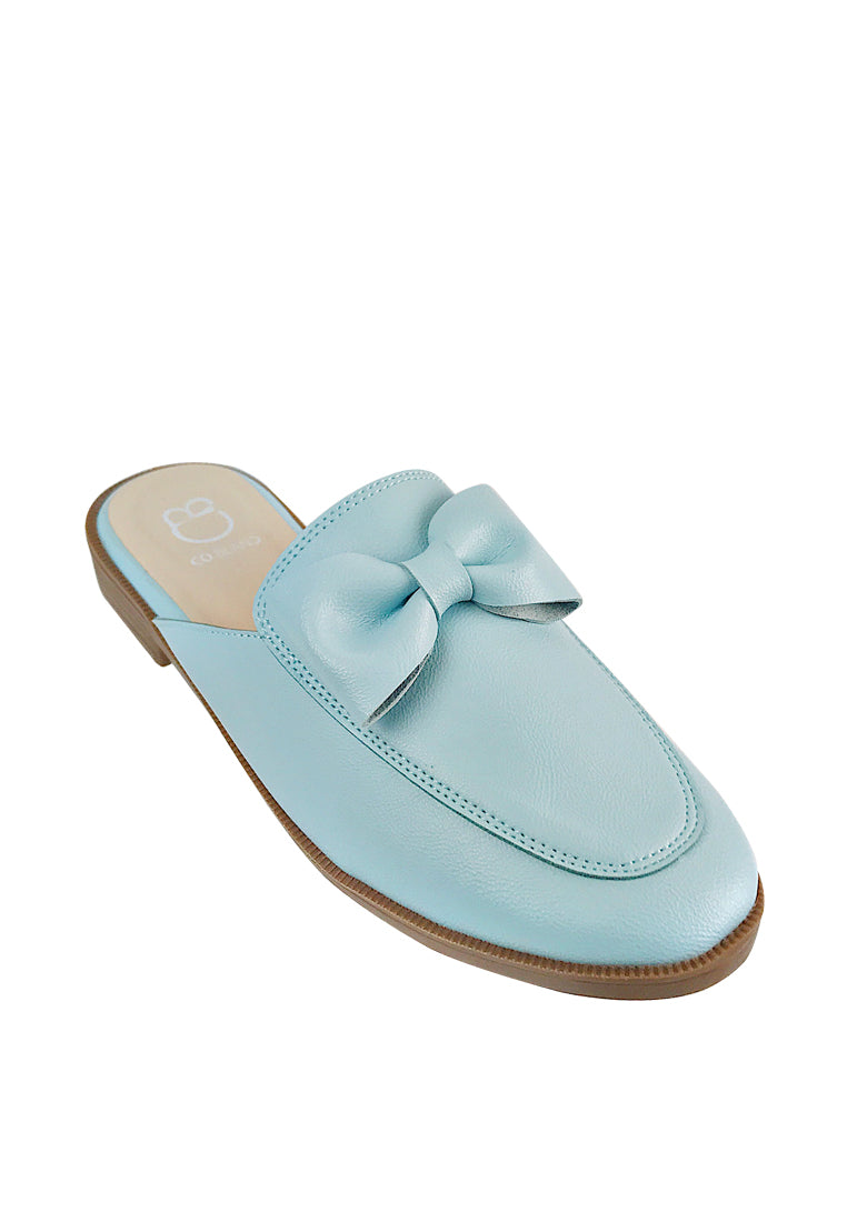 Mule Flats with Bow