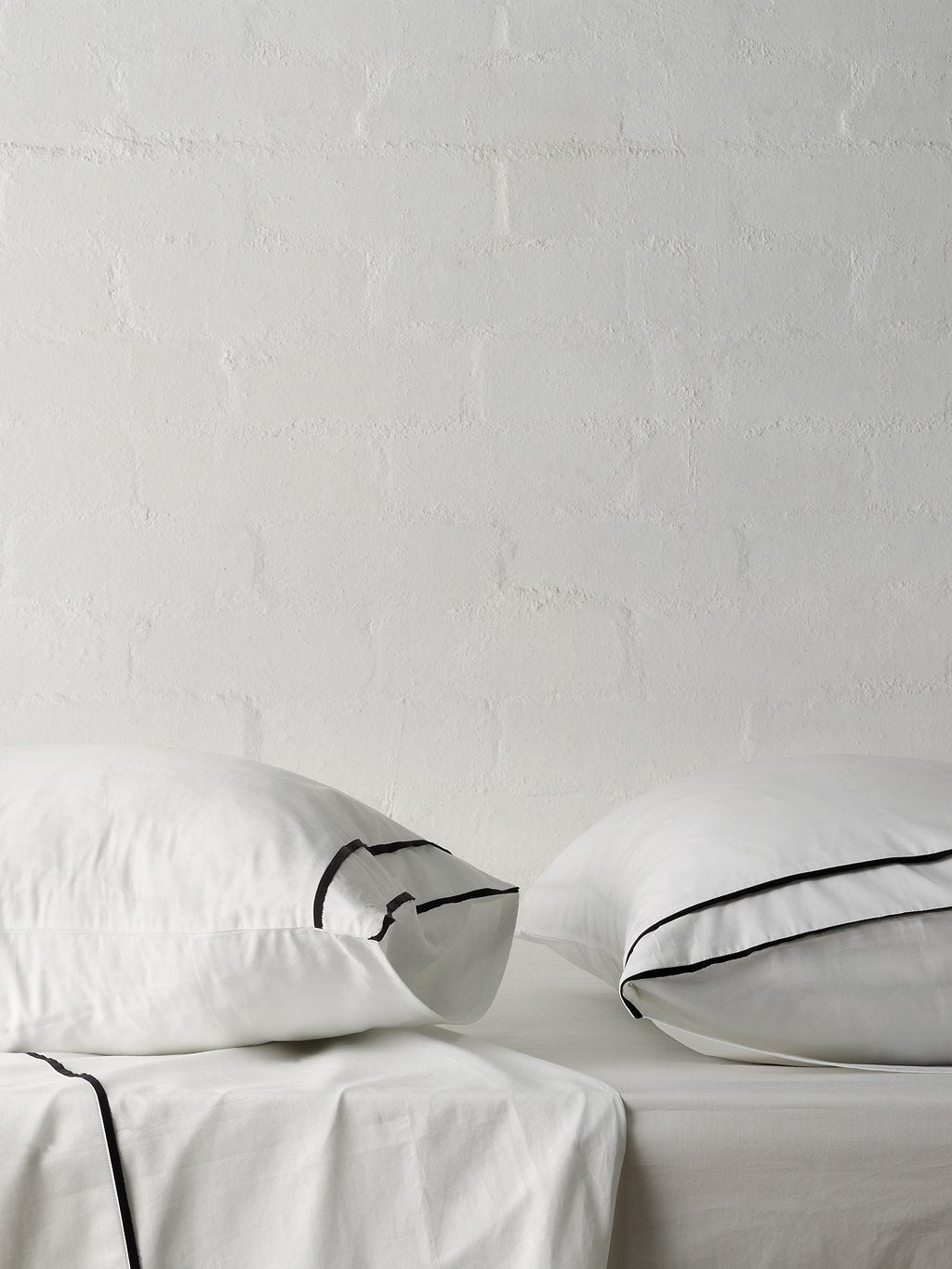 Grosgrain Black Pillowcase