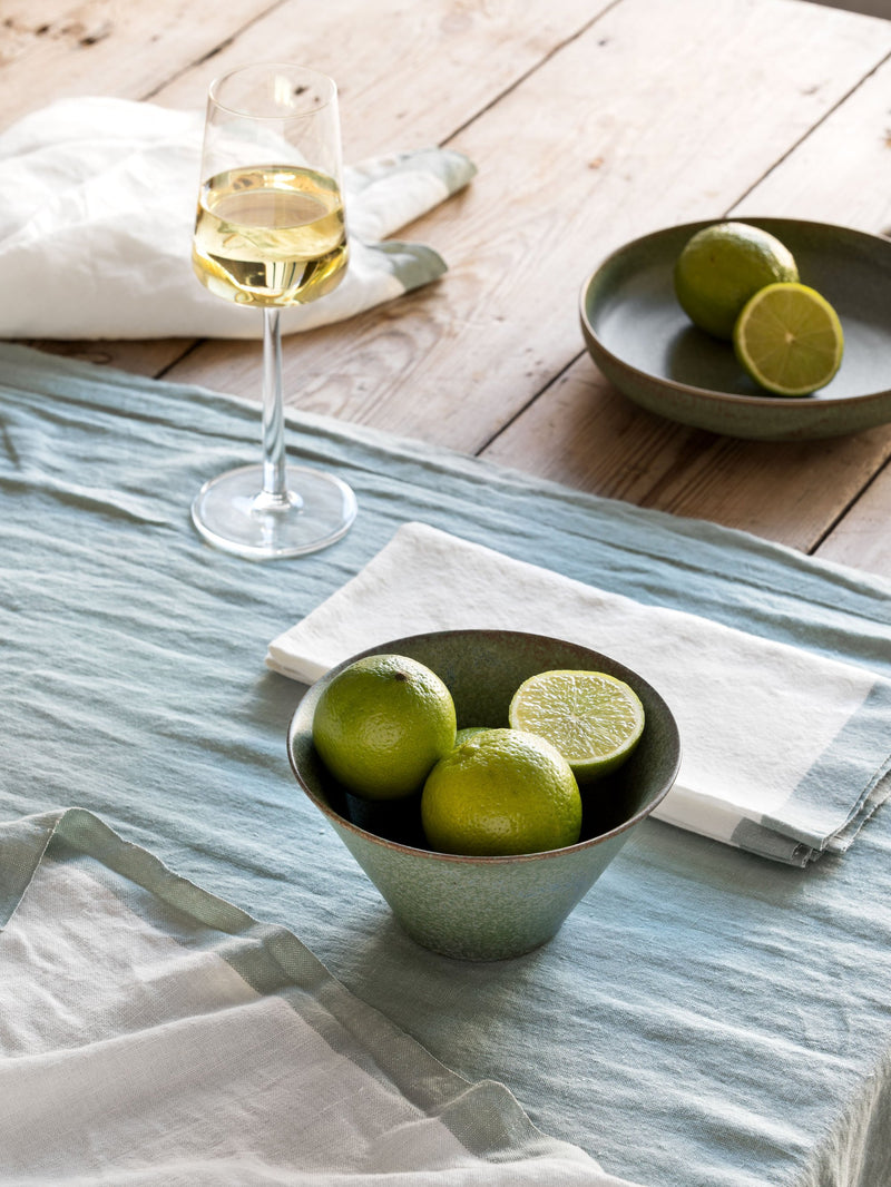 Montalto Wht/Sea Table Cloth