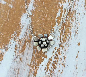 wild and free daisy necklace