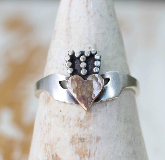 sterling silver and gold modern claddagh ring