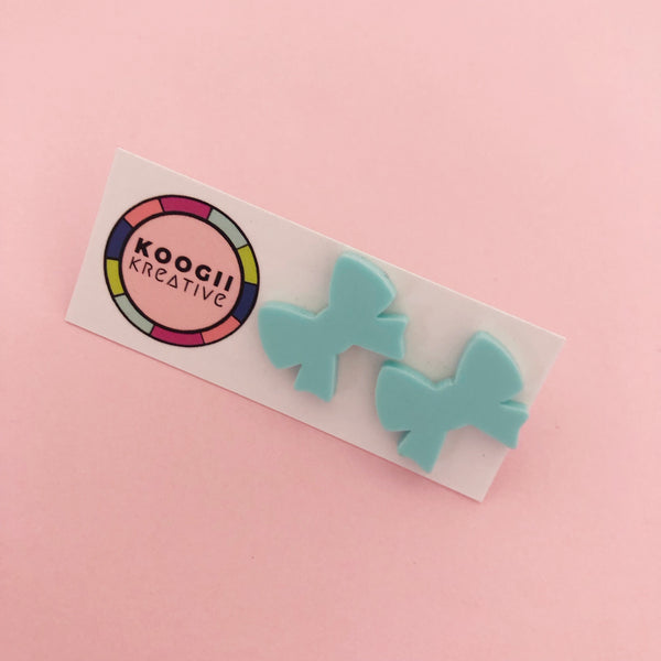 'Lobelicious' Single Stud (BLUE GREEN PURPLE BLACK)