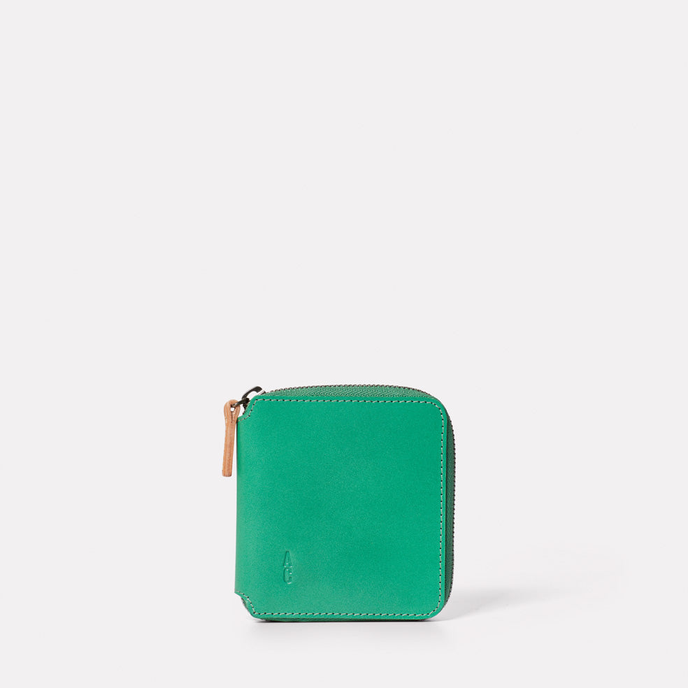 Axel Leather Zip Round Wallet in Green