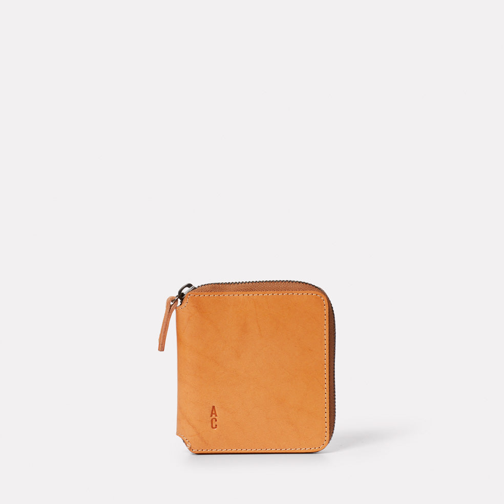 Axel Leather Zip Round Wallet in Tan
