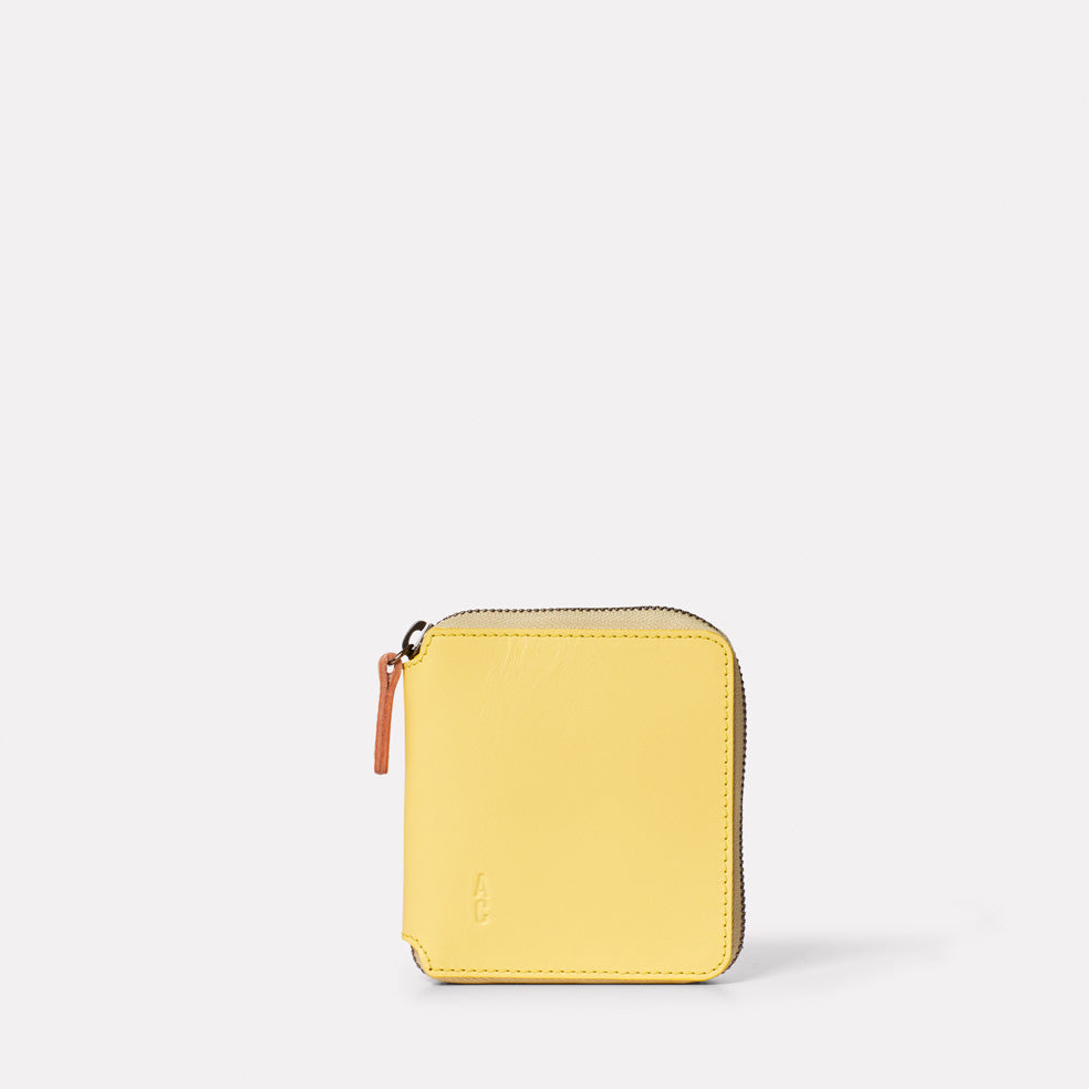 Axel Leather Zip Round Wallet in Yellow