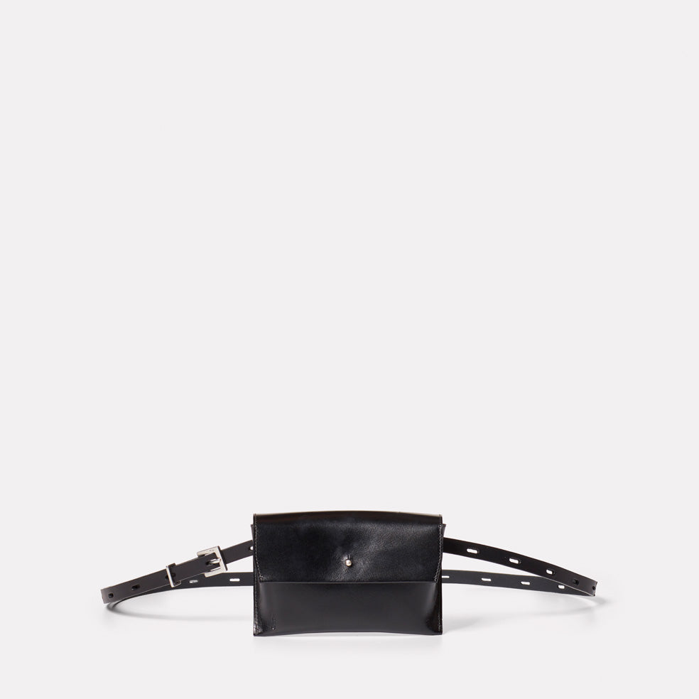 Hild Purse on a Belt in Black