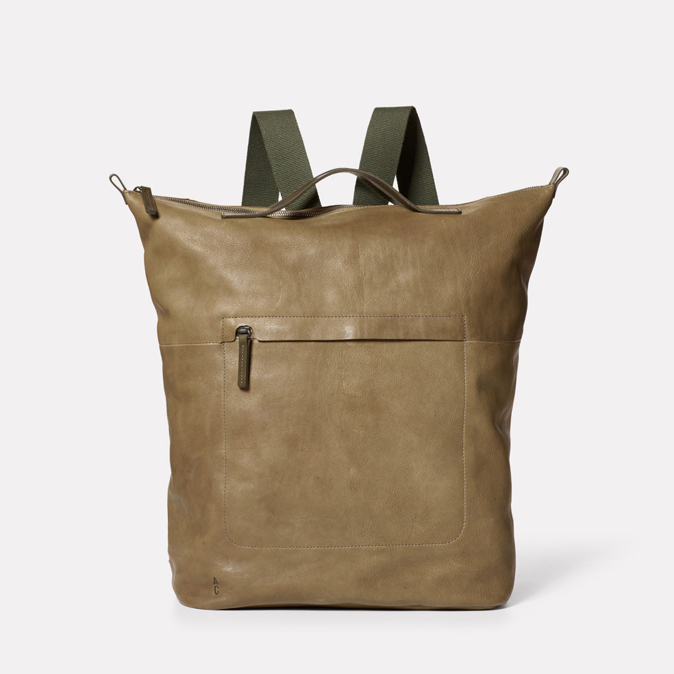 Hoy Leather Backpack in Moss