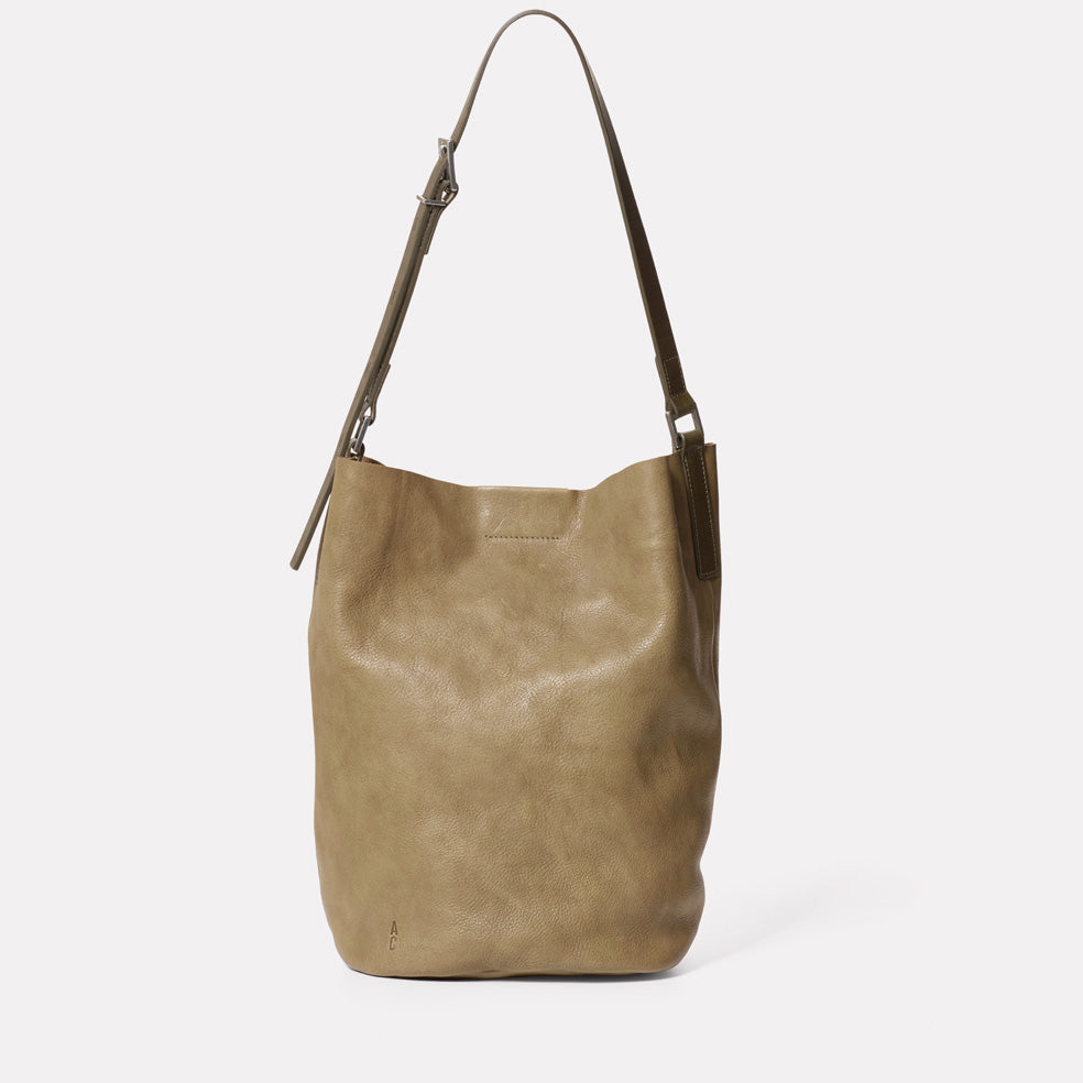Lloyd Small Calvert Leather Bucket Bag in Moss