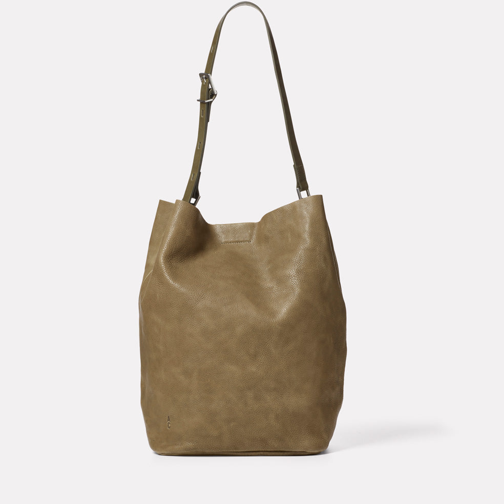Lloyd Calvert Leather Bucket Bag in Moss