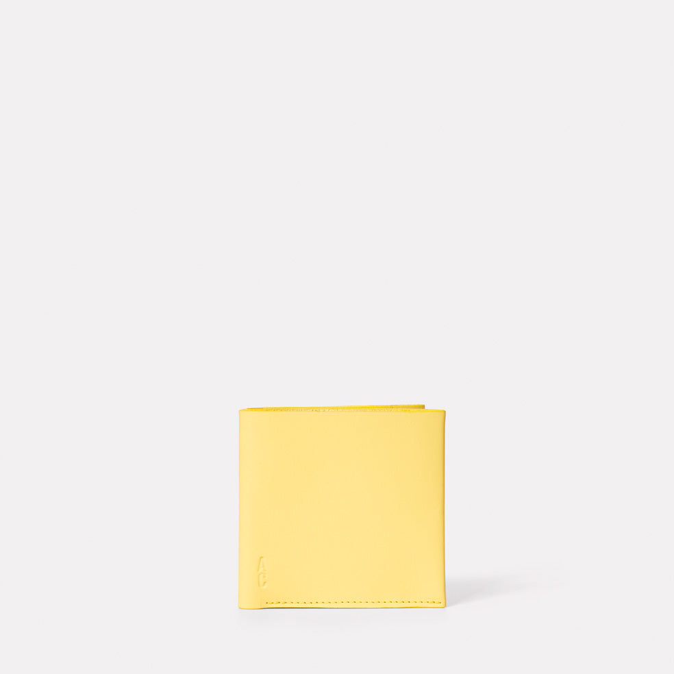 Oliver Leather Wallet in Yellow