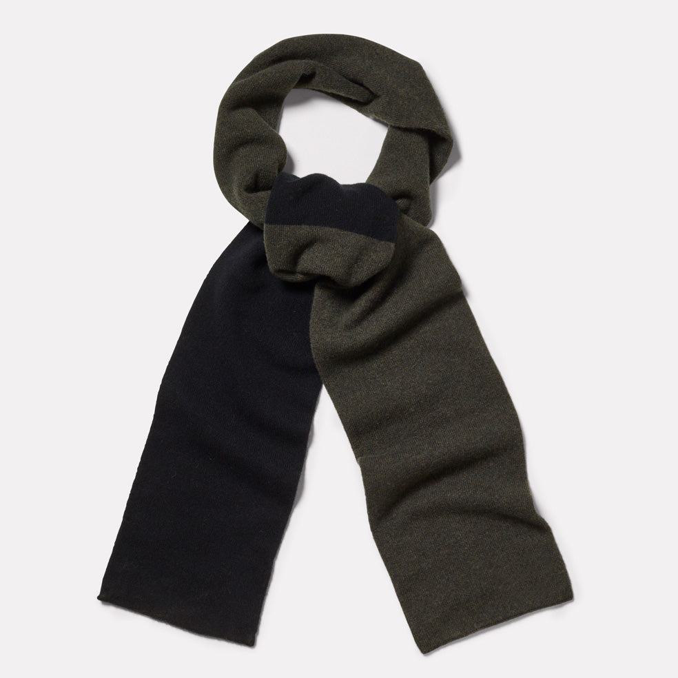 Lambswool Long Scarf in Olive & Black