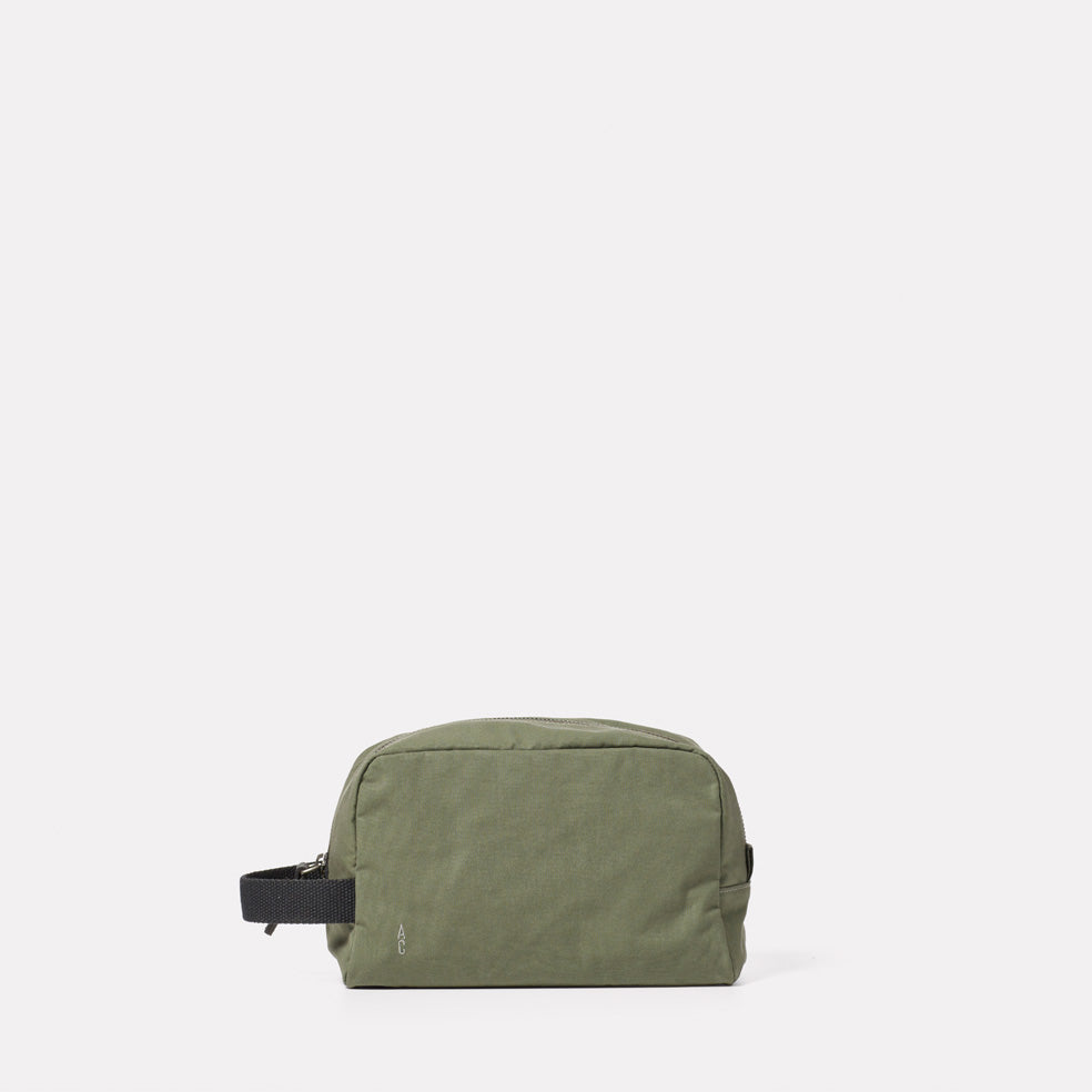 Simon Waxed Cotton Washbag in Olive