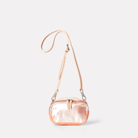 Ally Capellino, Leather, Shoulder bag, leather, pink, peach, bag, East London, Portabello Road, Italian Leather, Stitched, Vegetable tanned leather