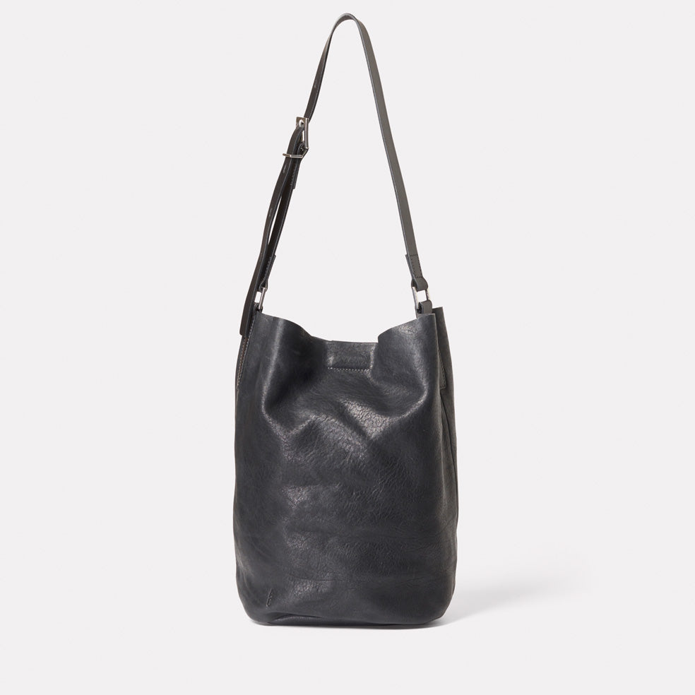 Lloyd Small Calvert Leather Bucket Bag in Black