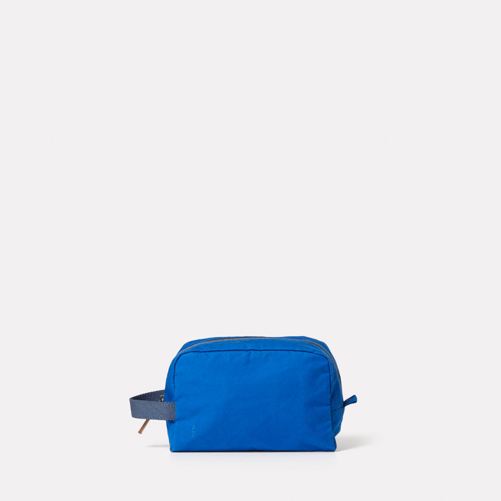 Simon Waxed Cotton Washbag in Cobalt