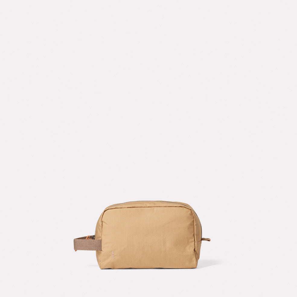 Simon Waxed Cotton Washbag in Sand