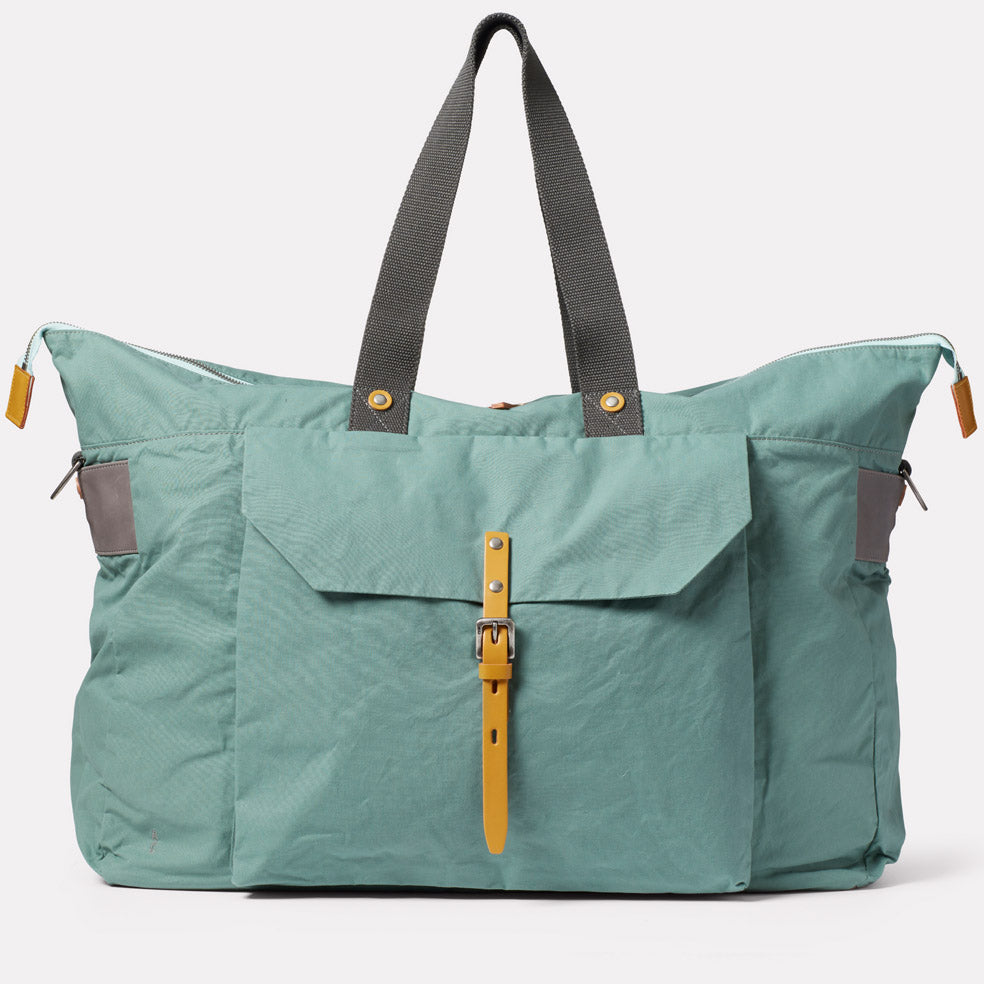 Freddie Waxed Cotton Holdall in Green