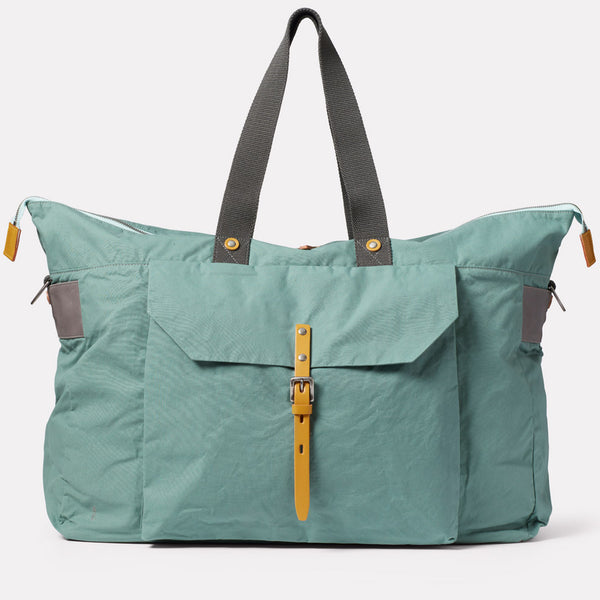 Freddie Waxed Cotton Holdall in Green Front