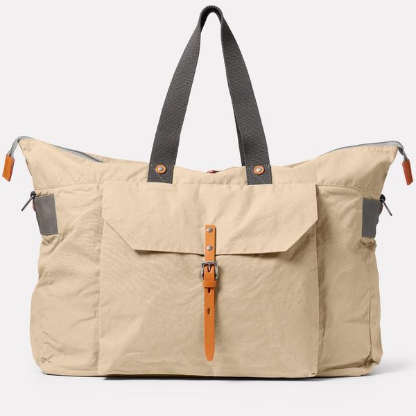 Freddie Waxed Cotton Holdall in Putty Front