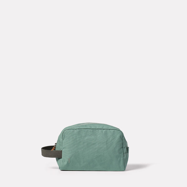 Simon Waxed Cotton Washbag in Green Front