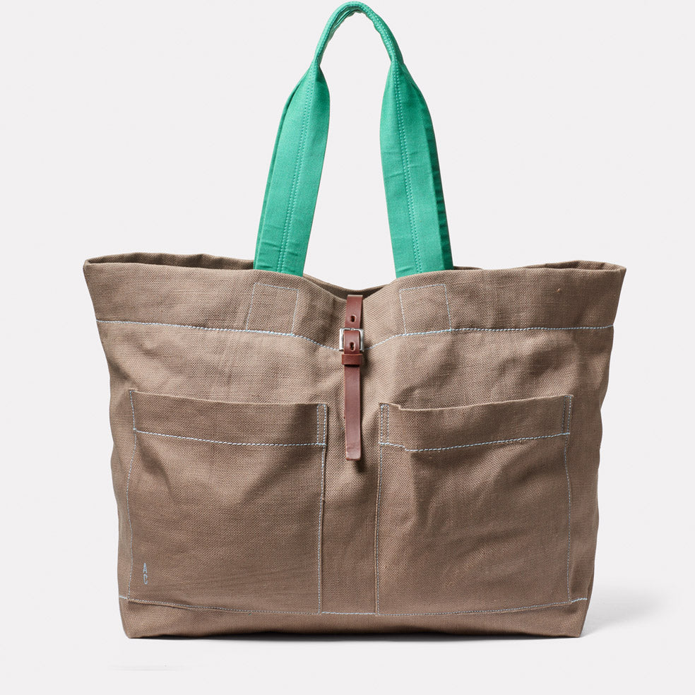 Tim Hemp Tote in Khaki