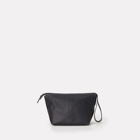 Del Waxed Canvas Washbag in Black