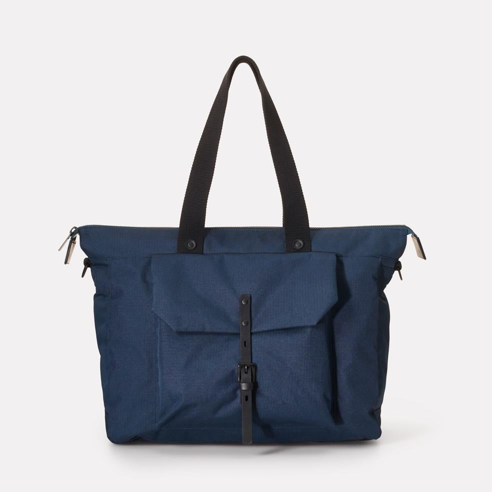 Teddy Ripstop Holdall in Navy