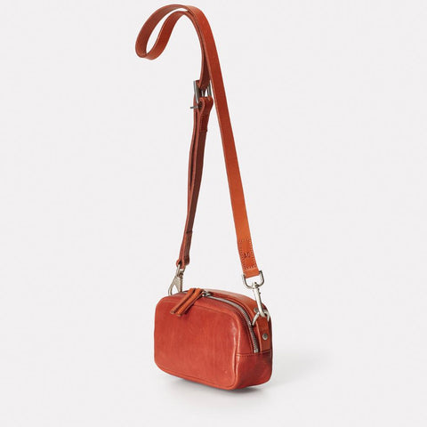 Ginger Vegetable Tanned Leather Zip-Up Crossbody Bag With Adjustable Leather Strap in Black for Women