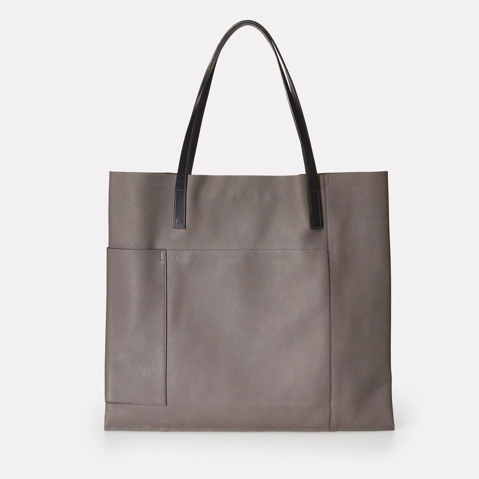 Verity Pebble Grain Leather Large Tote in Grey For Women
