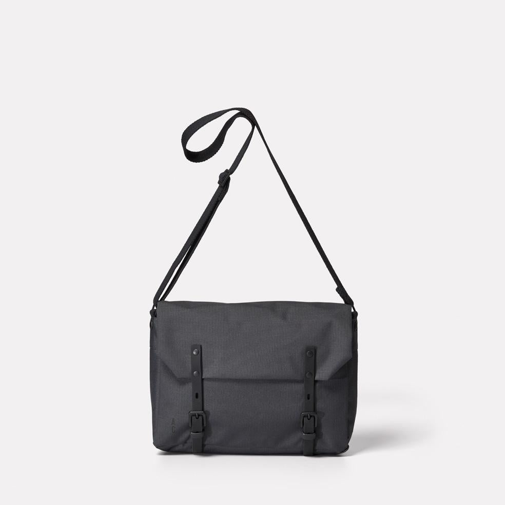 AC_AW18_WEB_RIPSTOP_SATCHEL_JEREMY_MEDIUM_SMALL_CHARCOAL_01