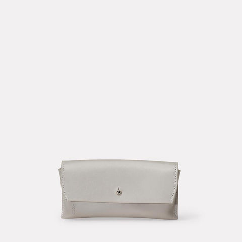 AC_AW18_WEB_SMALL_LEATHER_GOODS_GLASSES_CASE_KIT_LIGHT_GREY_01