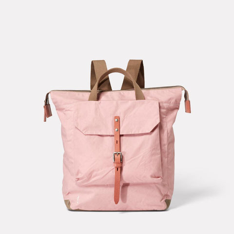 AC_AW18_WEB_WAXED_COTTON_RUCKSACK_BACKPACK_FRANCES_CHALKY_PINK_01