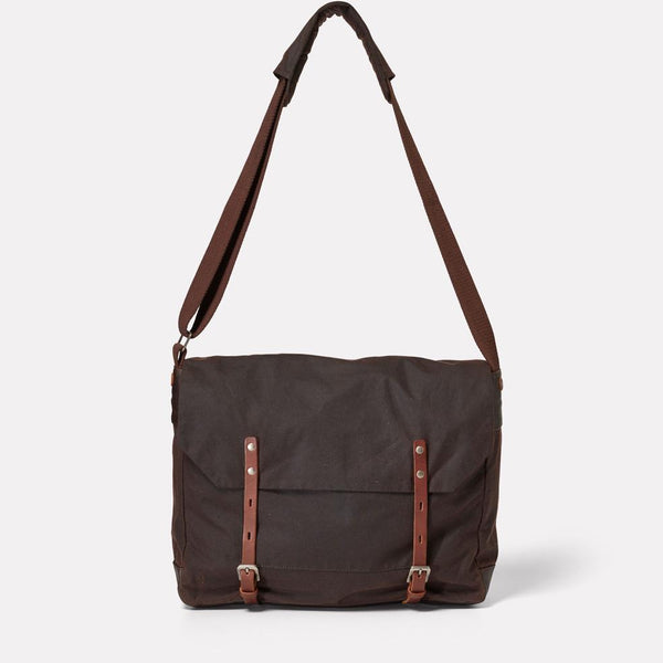AC_AW18_WEB_WAXED_COTTON_SATCHEL_JEREMY_MEDIUM_DARK_BROWN_01