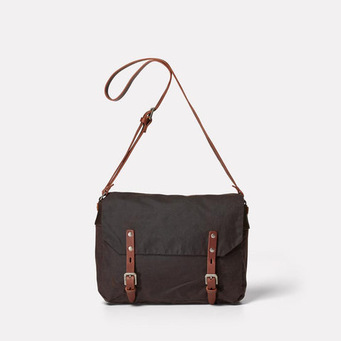 AC_AW18_WEB_WAXED_COTTON_SATCHEL_JEREMY_SMALL_DARK_BROWN_01