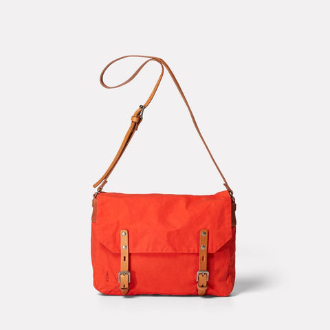 AC_AW18_WEB_WAXED_COTTON_SATCHEL_JEREMY_SMALL_FLAME_ORANGE_01