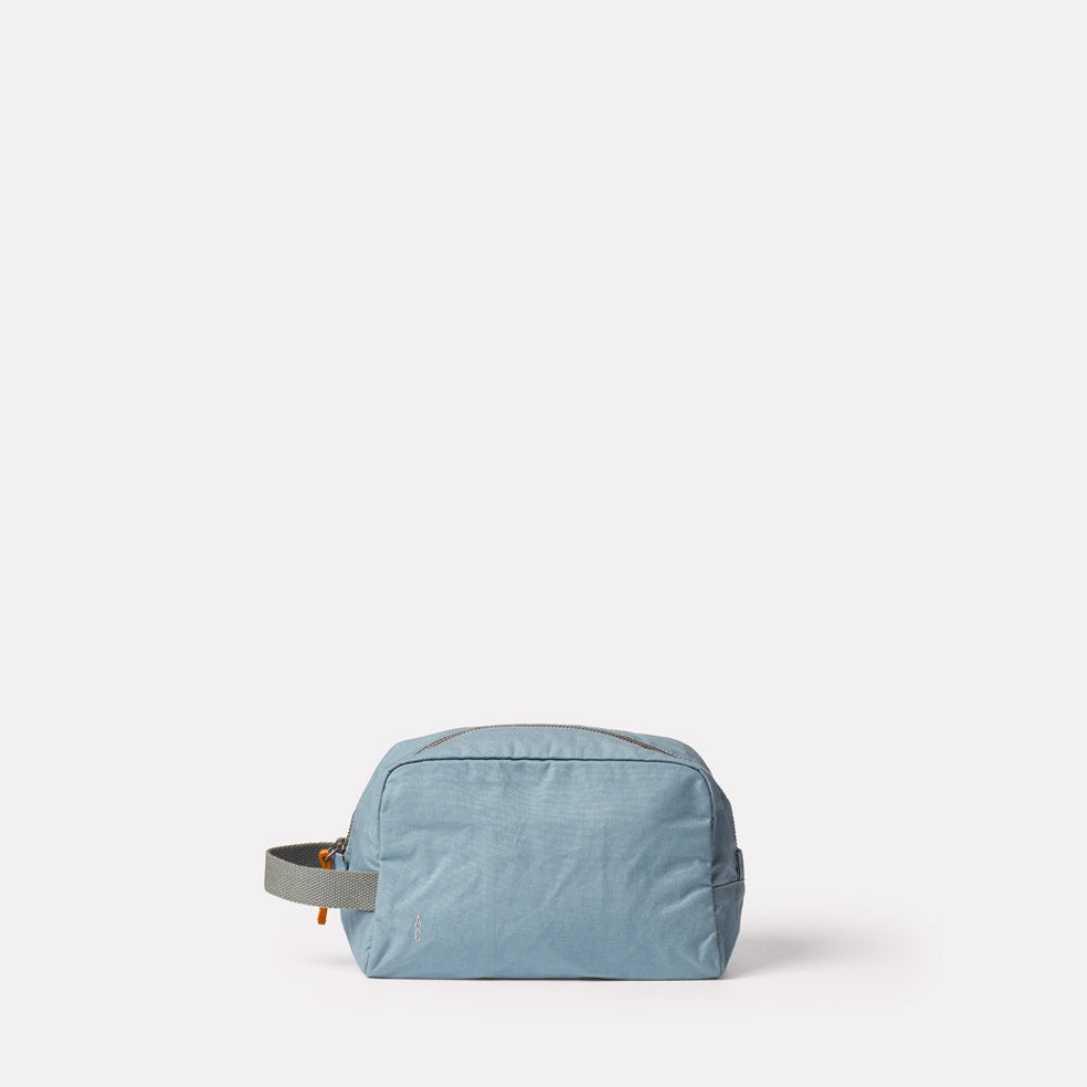 Simon Waxed Cotton Washbag in Blue