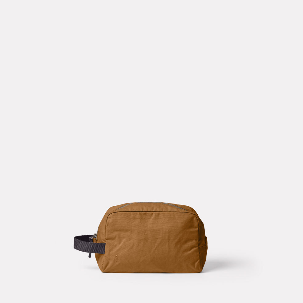 Simon Waxed Cotton Washbag in Breen