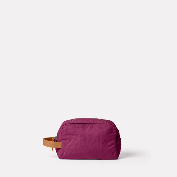 Simon Waxed Cotton Washbag in Plum Front