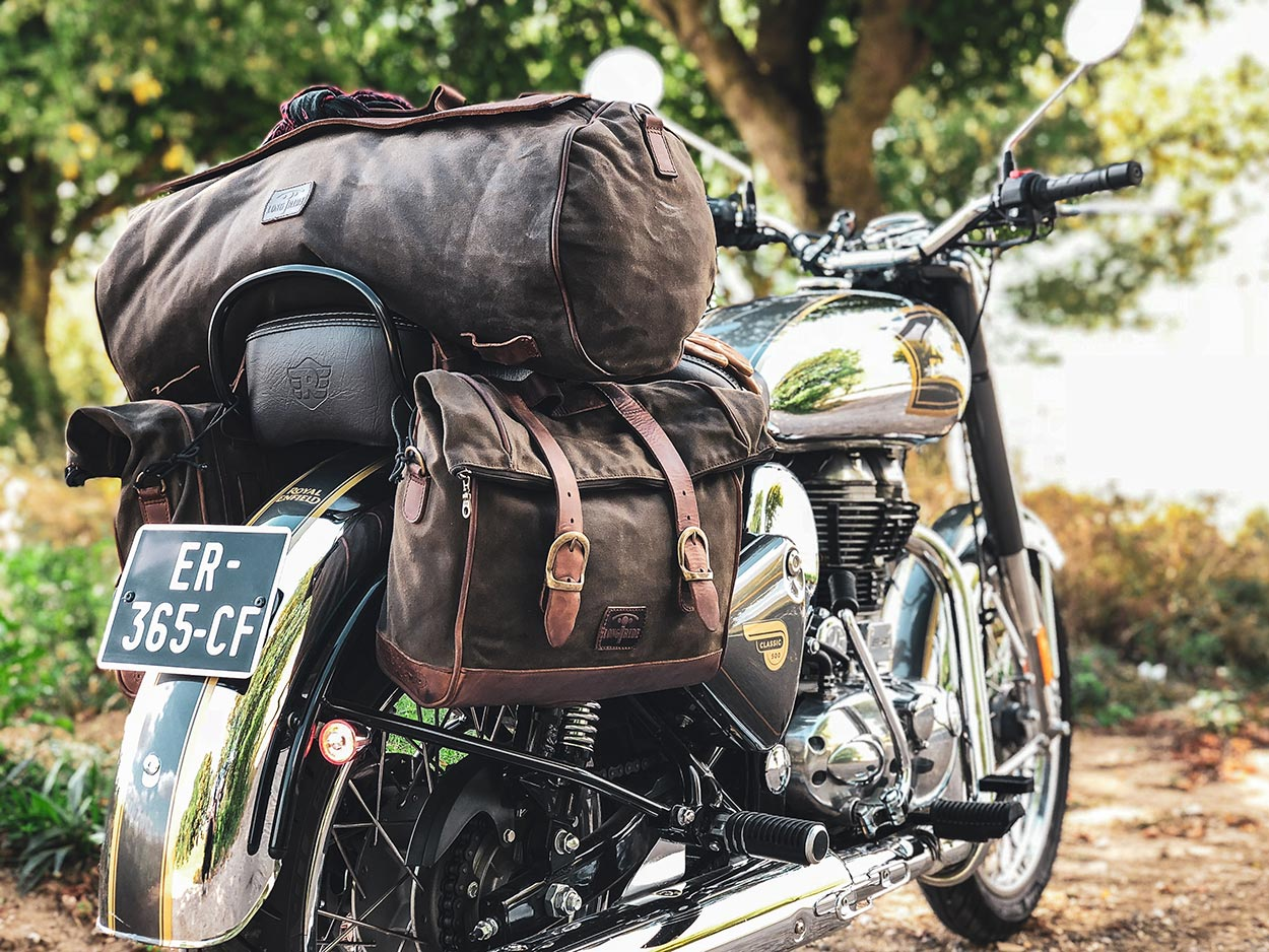 Large tail bag and saddlebags for Royal Enfield.
