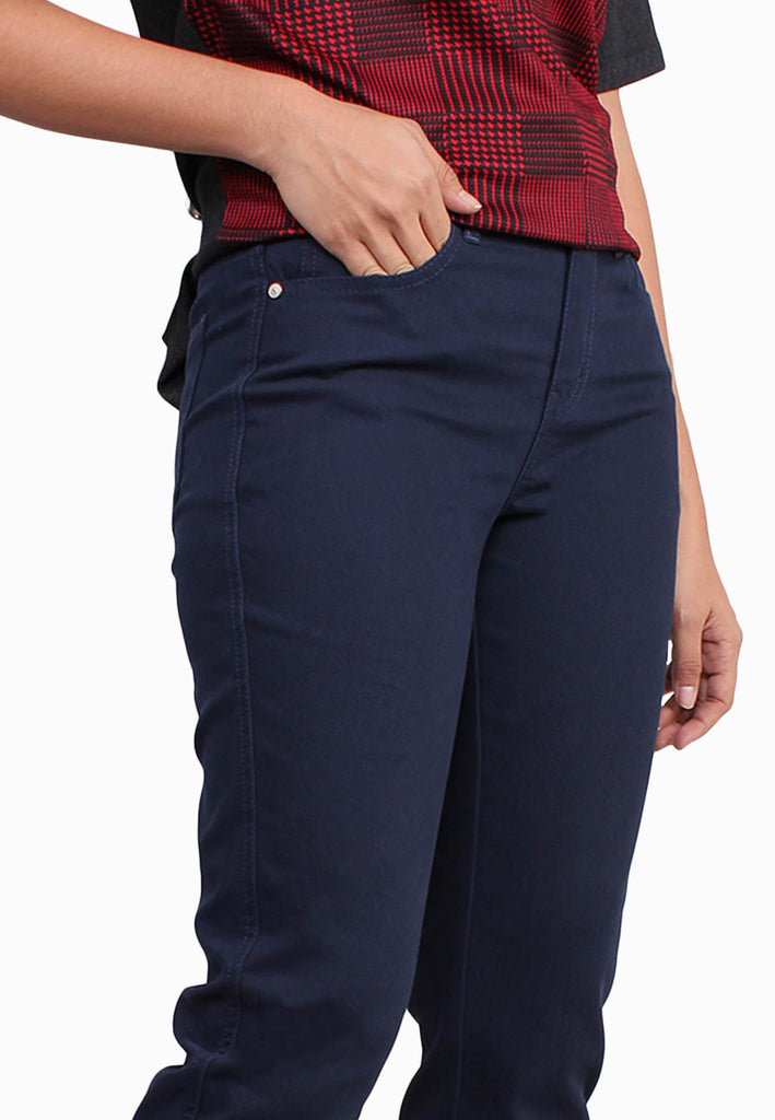 107 E-Cut Mid Rise Tapered Fit Jeans