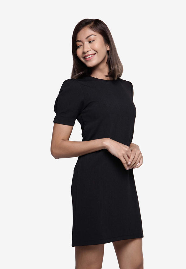 Puffed Dress in Black