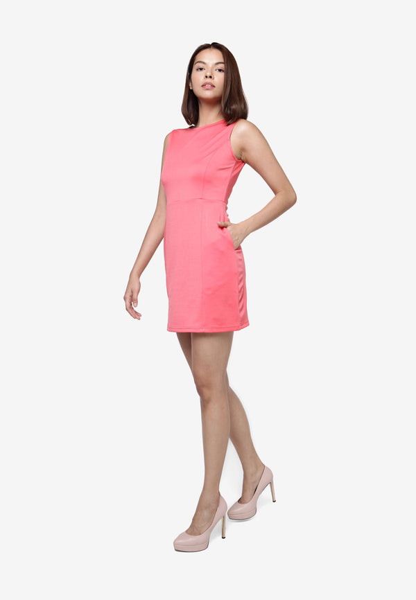 Classic Sleeveless Dress - Peach